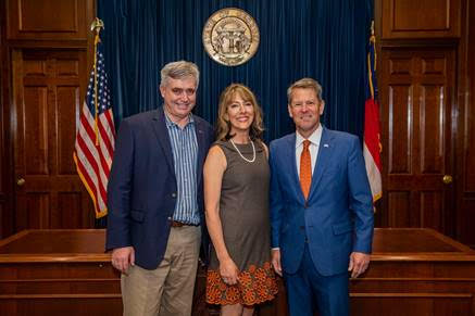Lisa Winton, George Winton, & Governor Brian Kemp